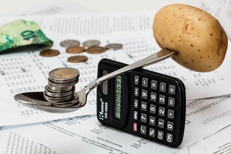 エンゲル係数と食費